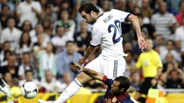 Real Madrid : le retour en grâce de Gonzalo Higuain met Karim Benzema en difficulté