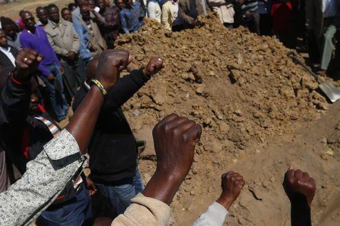 L'Afrique du Sud enterre les morts de Marikana