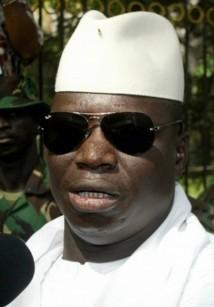 Jammeh s'octroie le plus long nom parmi ses paires