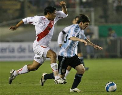Elim. CM 2014 : le Pérou tient l'Argentine en respect