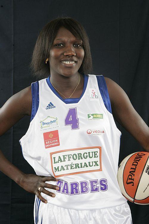 """Ndèye Diola Ndiaye vice-capitaine des Lionnes:"""" Au Mali, il y a eu beaucoup de non-dits"""""""