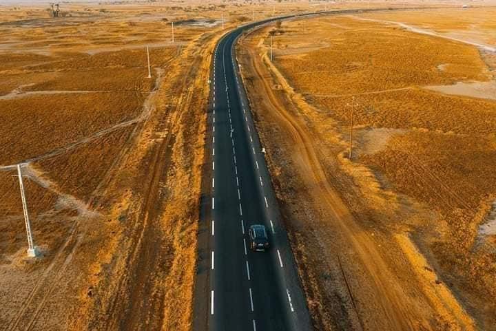 La route Joa - Samba Dia - Djiffer et sa bretelle Samba Dia - Fimela dans le Sine Saloum, une des belles routes du Sénégal
