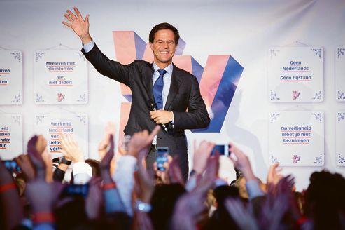 Pays-Bas : le libéral Mark Rutte conforté par les urnes