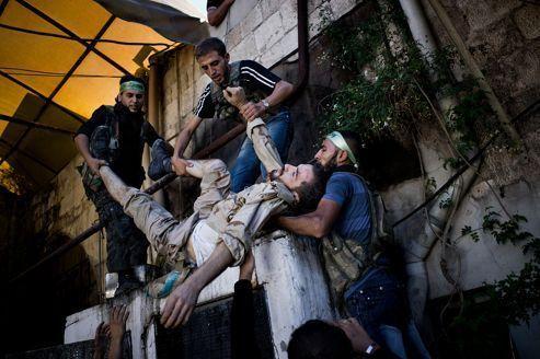 Avec les rebelles syriens dans Alep assiégée