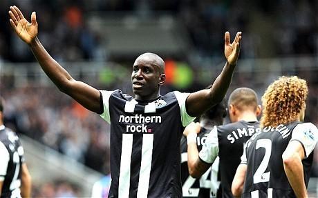 Newcastle arrache le nul à Everton grâce à un doublé de Demba Bâ