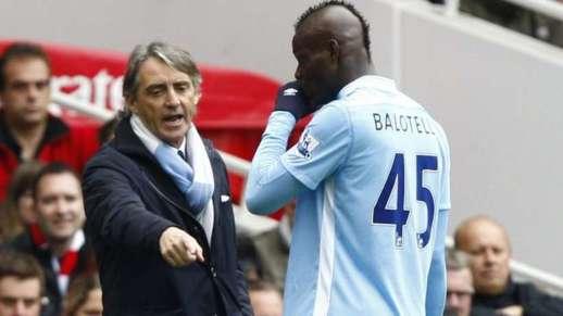 Man. City : le torchon brûle entre Mario Balotelli et Roberto Mancini