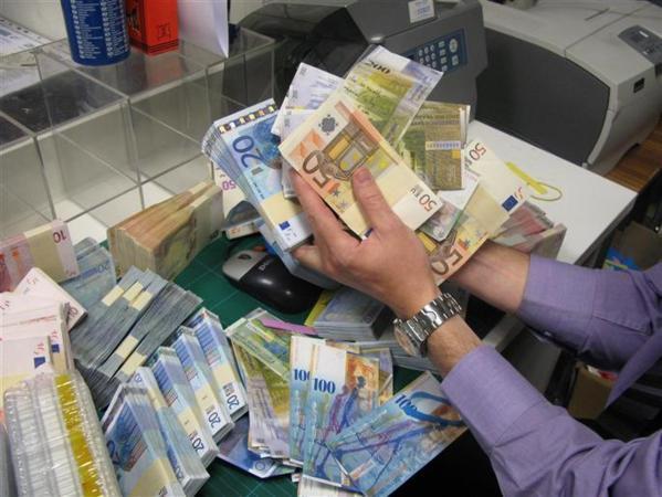 Algérie - Les nouveaux riches s'arrachent les euros à prix d'or