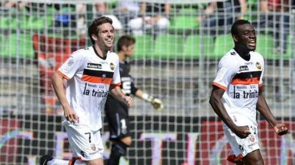 Lorient : Corgnet revient sur la rumeur OL et ouvre la porte aux Bleus