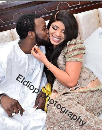 Ndèye Sokhna Sonko de la 2STV s'est mariée avec Momo Wade de la SenTv: Voici quelques clichés du mariage des deux animateurs !