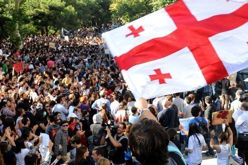 Géorgie: pouvoir et opposition sont à couteaux tirés