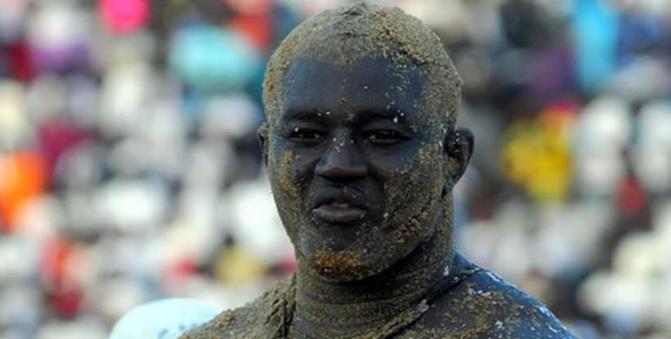 Lutte - Super Ndadjé ce jeudi: Après Gris Bordeaux, Balla Gaye 2 va recevoir une avance pour rencontrer...