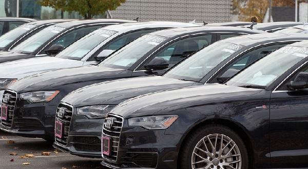 Vente de voitures: «Le blanchiment d'argent est réel…l'Etat complice », selon l'économiste Meissa Babou