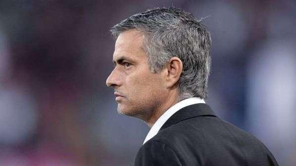 Mourinho lance les grandes manoeuvres contre Messi dans la course au FIFA Ballon d'Or !