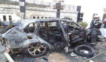 [Vidéo exclusive] La voiture de Lamine Faye, neveu de Wade, prend feu devant sa maison à la Sicap Foire