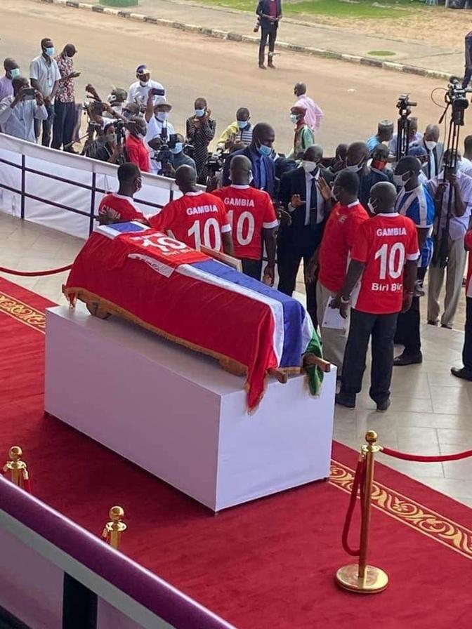 """Gambie - En images, les obsèques du légendaire Mamadou Njie """"Biri-Biri"""""""