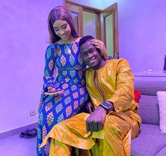 Mode Tabaski: Le couple de stars Racky Aidara et Ibou Guèye en toute complicité avec leur mère !
