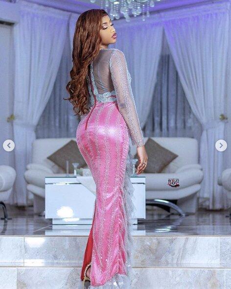 Photos-Admirez ces tenues de la chanteuse Astar qui affollent la toile!