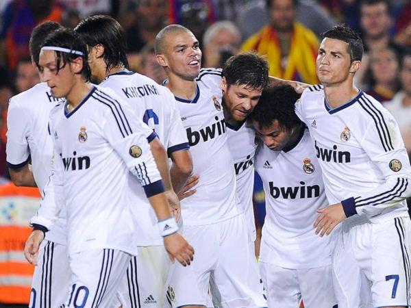 Le Real Madrid explose Saragosse !