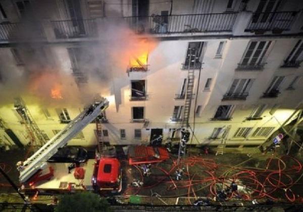 France : un incendie « d'une rare intensité » d'un immeuble du centre de Vincennes fait deux morts