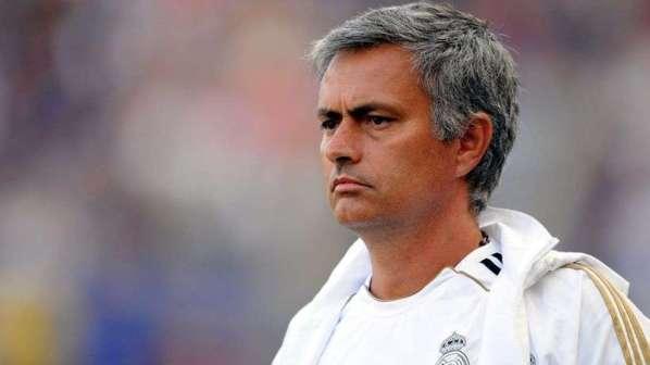 Real Madrid : Mourinho répond à Benzema et tacle à tout-va
