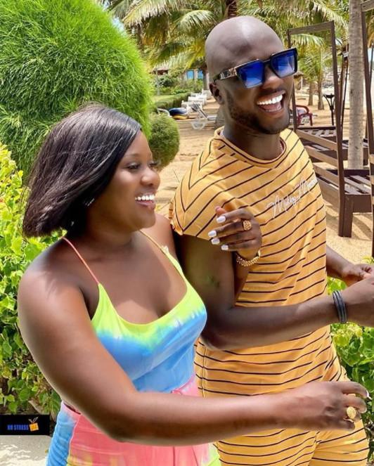 Photos-Abba No Stress et sa femme profitent bien des vacances!