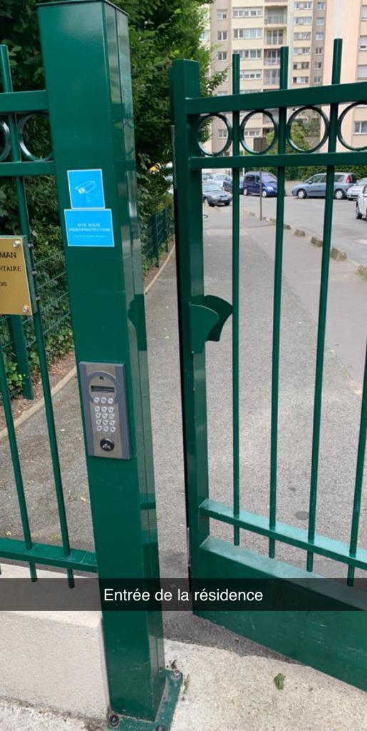Urgent : À vendre  Appartement  6 pièces au 5 rue Daguerre Rosny sous bois 93110  Paris