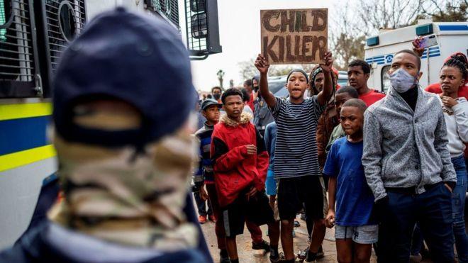 Afrique du Sud - Deux officiers de police arrêtés pour le meurtre d'un jeune de 16 ans