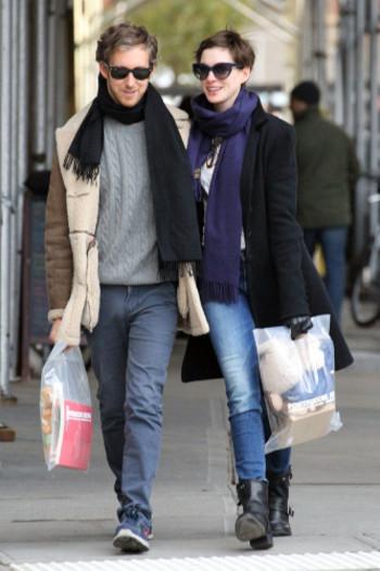 Anne Hathaway : maman dans l'âme