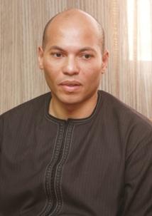 [Audio]: Karim Wade dépose dossiers, photos et cd sur la table des enquêteurs