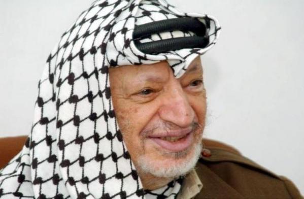 Le corps de Yasser Arafat réinhumé