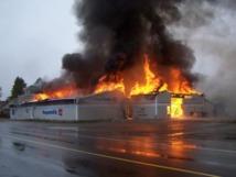 Rufisque : un magasin de tissus prend feu au marché central