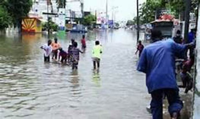 Aux sinistrés des inondations: Macky Sall réitère ses condoléances