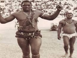 """Lambi demb / Mamadou Sakho """"Double Less"""": Plus haut, plus fort, plus vite"""