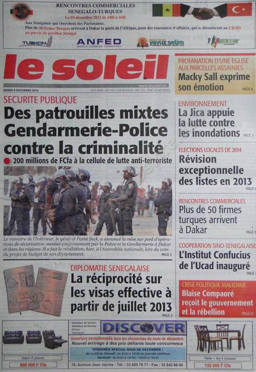 A la Une du Journal Le Soleil du Mardi 04 Décembre 2012
