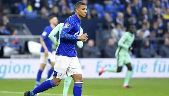 Découverte - En image: Malick Thiaw, défenseur de Schalke 04, finlandais d'origine sénégalaise