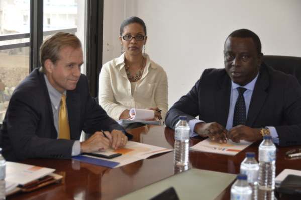 Plusieurs personnalités internationales rendent visite à l'Institut Panafricain de Stratégies( I.P.S.)