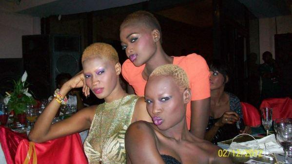 Les mannequins Fleur, Marième Sy et Khady Cissé en mode bégué au Cameroun