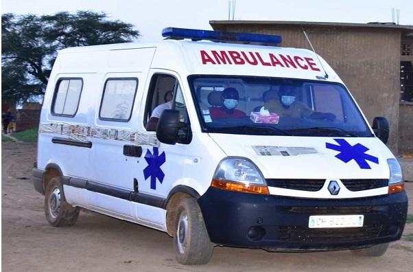 Santé / La commune de Bokidiawé soulagée: Abdoul Ly, Dg de l'ARTP,  offre une ambulance médicalisée aux populations