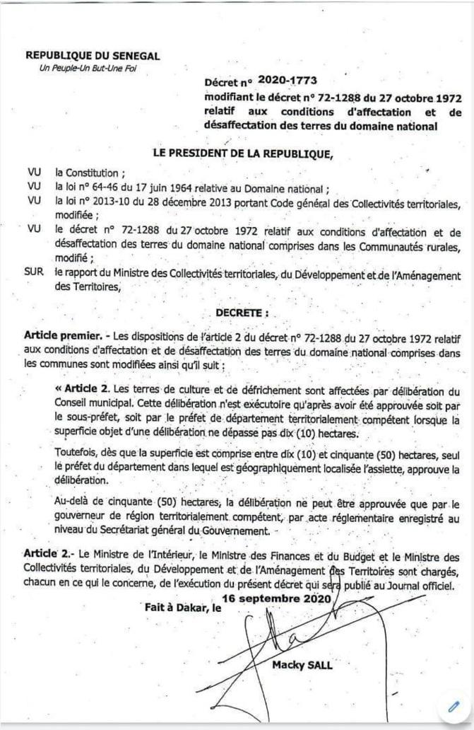 Affectation et désaffectation des terres du Domaine national: Le Président de la République, Macky Sall signe la modification du décret