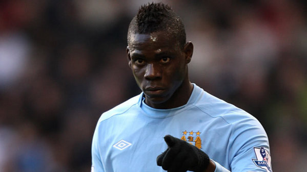 Man. City: Balotelli attaque son club