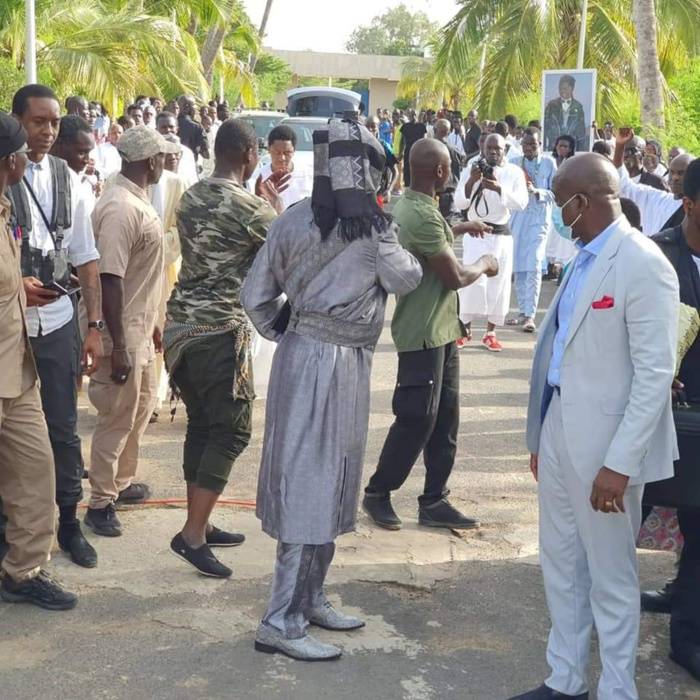 Magal Touba - Serigne Modou Kara en retraite mystique chez feu Djiliy Mbaye (photos)