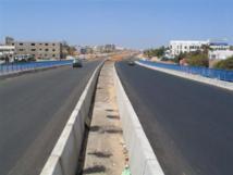 Des pneus brûlés à Guinaw-Rail et Lansar pour exiger la construction de passerelles