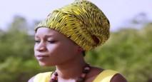 NOEL DANS LES PRISONS : Les larmes d'Aïda Samb