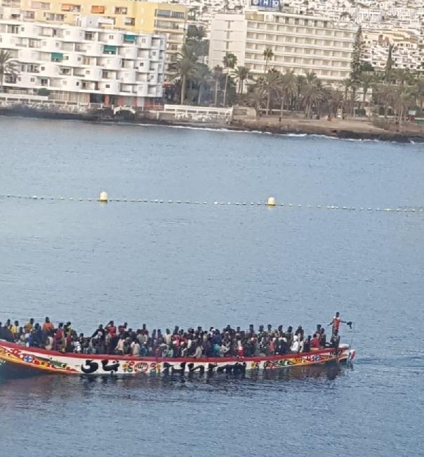 Scène spectaculaire en Espagne: Plus d'un millier de migrants africains arrivés aux îles Canaries en l'espace de 48 heures