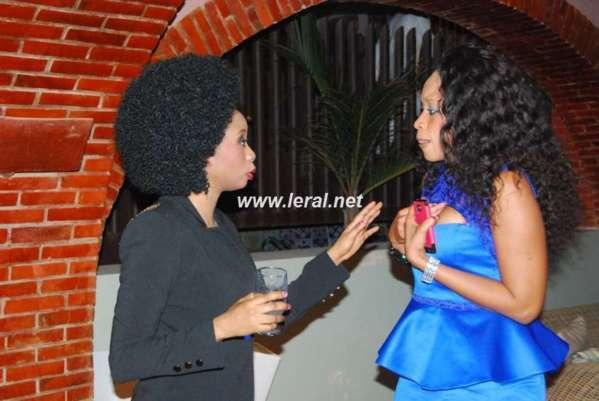 Adiouza et Aida Samb: ça discute...