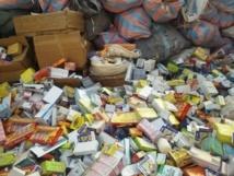 [Vidéo] Importante saisie de médicaments frauduleux à Darou Mousty