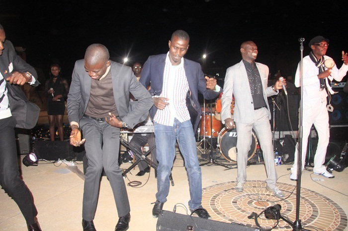 Les paparazzi Gomis et Rone dansent au rythme du Bégué