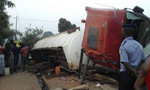 Mbao en danger: Les populations alertent sur la fréquence des accidents de camions transportant des hydrocarbures.