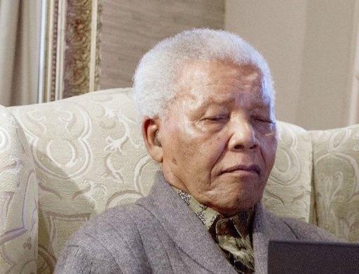 "Nelson Mandela ""va très bien"", dit sa fille"