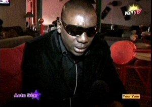 Manel Diop dans le flou
